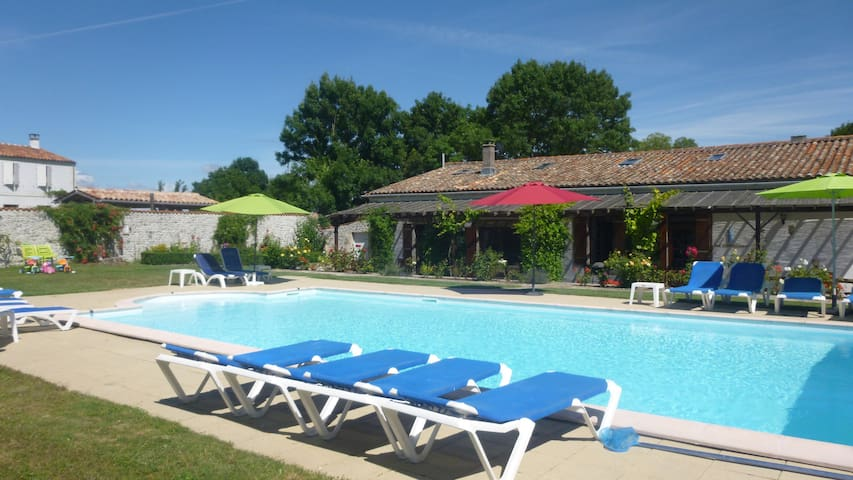 Large Gite with heated swimming pool