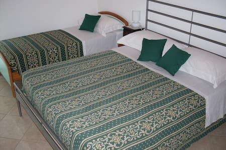 B&B Casa La Camillona - Mare Relax  - Villa Inferno - Bed & Breakfast