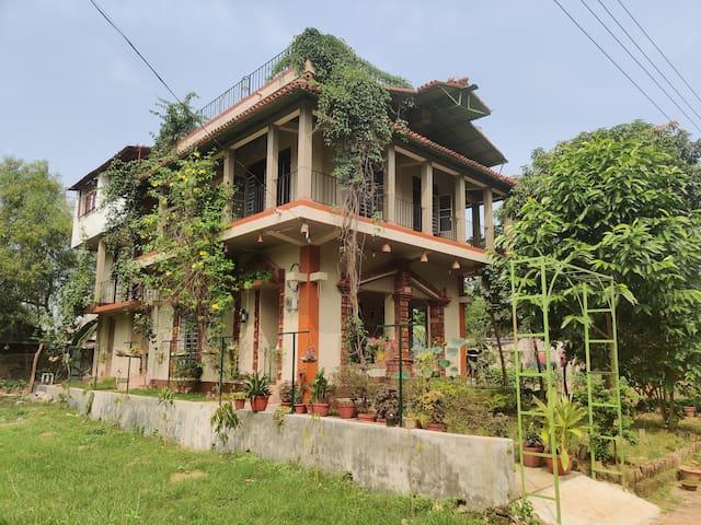 Perch Villa Orchard Artisan Homestay Shantiniketan