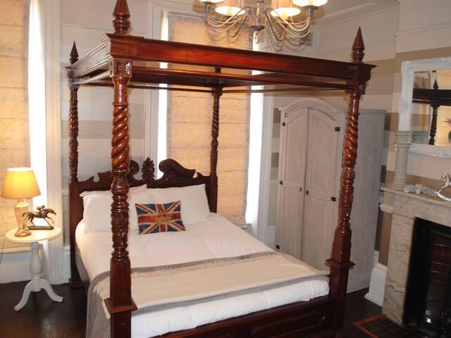 Rooms at The King William IV - ลอนดอน