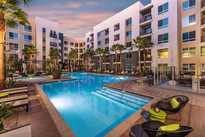 1bd in the Heart Of Irvine
