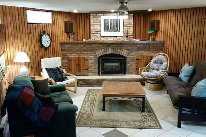 Sunken livingroom