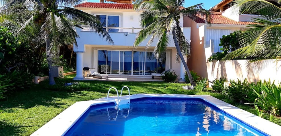 Luxury Studio Flat by the Sea  Puerto Aventuras
