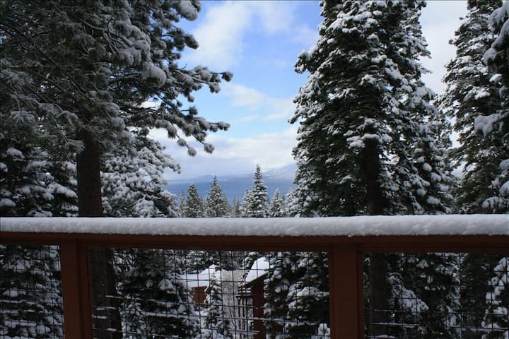Tahoe City Cabin~Spectacular Lake View!