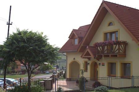 Žltý dom Vrbov izba č. 2 - Huis
