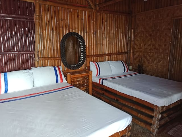 Bamboo native room by the beach family room aircon