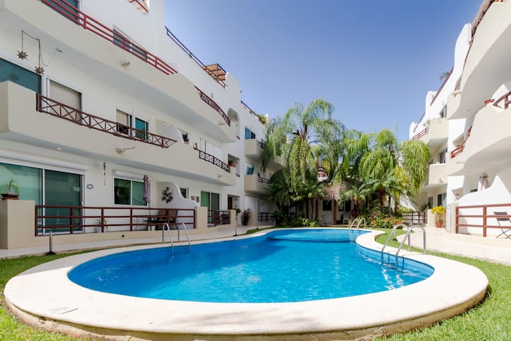 Excellent Apartment with best Pool and positions