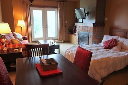 TREMBLANT STUDIO, KITCHEN,SPA,SAUNA - Mont-Tremblant - Loft