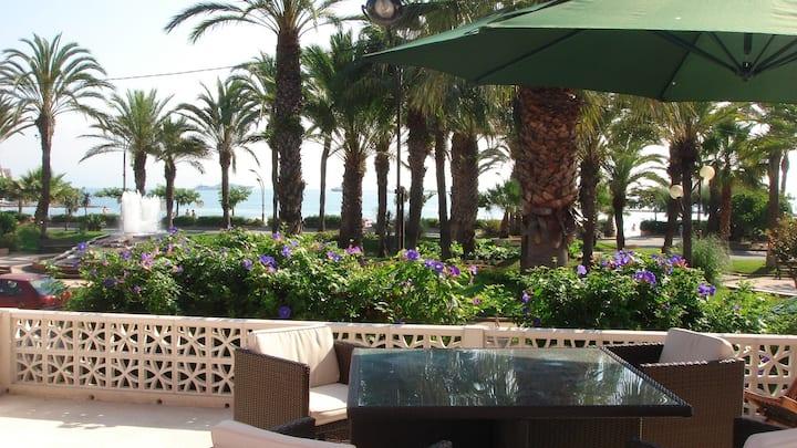 Antibes Juan: Villa FACE MER 4ch +jardin +2Parking