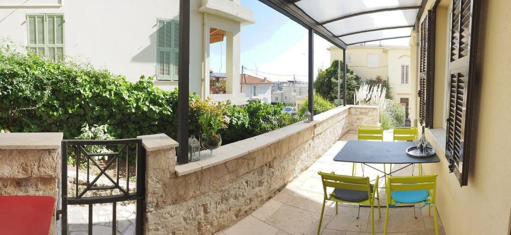 The covered terrace will be your spot for aperitif & evening dinners