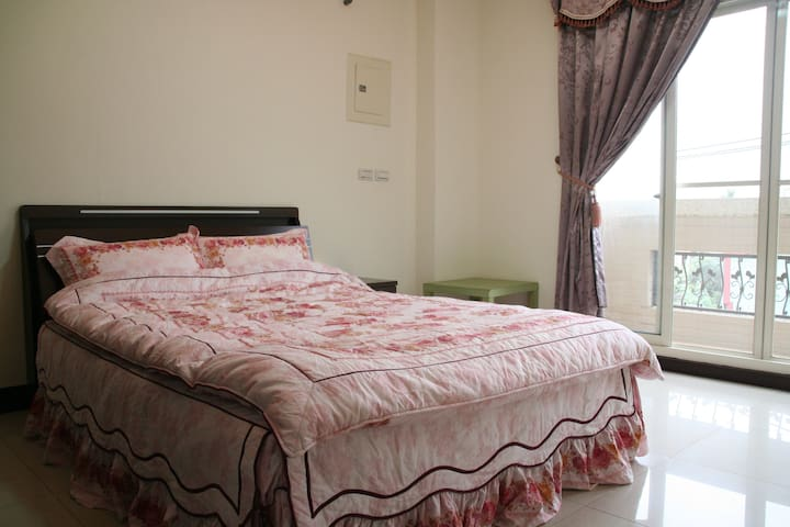 Nantou County Relaxing bedroom B