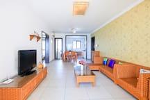 临海高端小区酒店式公寓超大海景2房