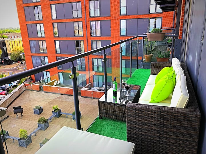 Luxury Stay at Birmingham Central