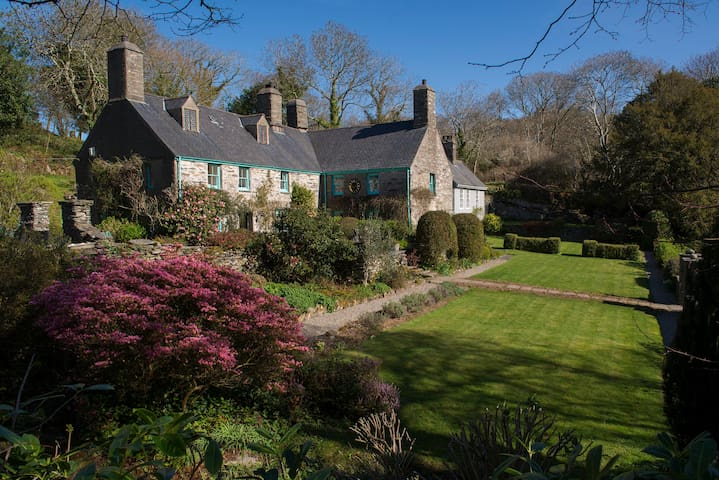 CARREGFELEN - Amazing Manor House
