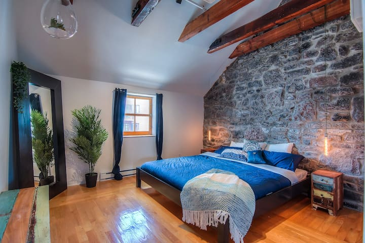 Lovely loft in the heart of old Montreal