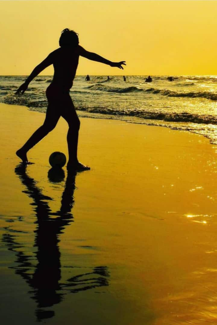 Jugando Futbol en la playa!