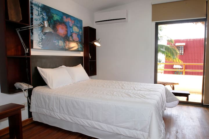 Deluxe room with balcony for 3 people