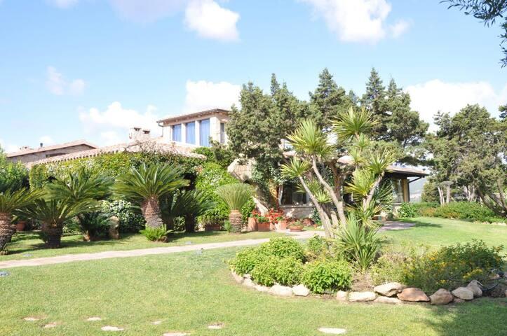 Villa Porto Rotondo Garden & Piscina condominiale
