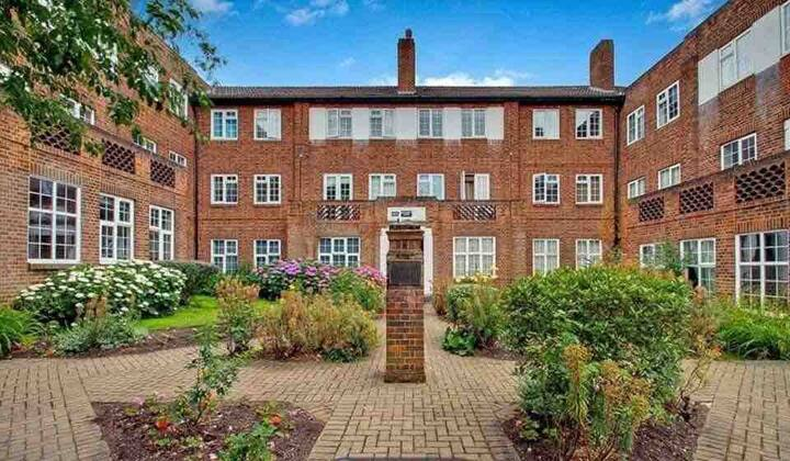 4 Bed Flat, Close To Golders Green Station