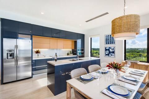 2 Bedroom Resort Condominium with Terrace with Ocean View & Hot Tub