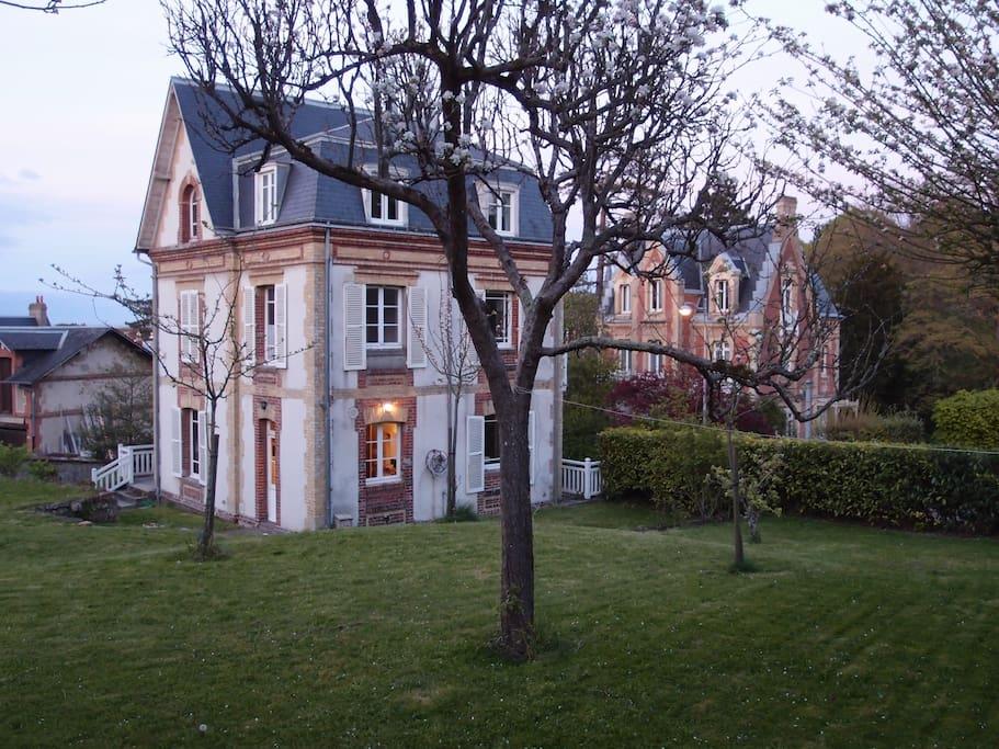 Villa villersoise années 1900