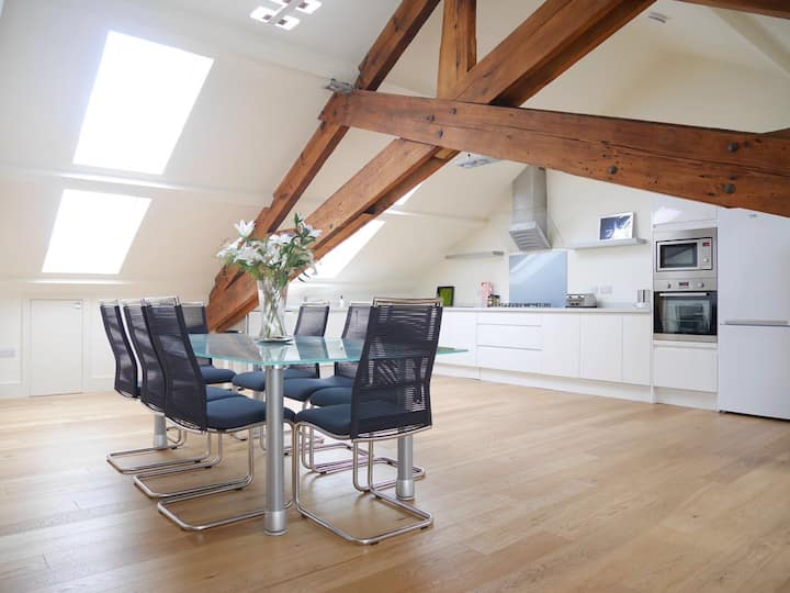 Three bedroom luxury Penthouse in Ulverston center