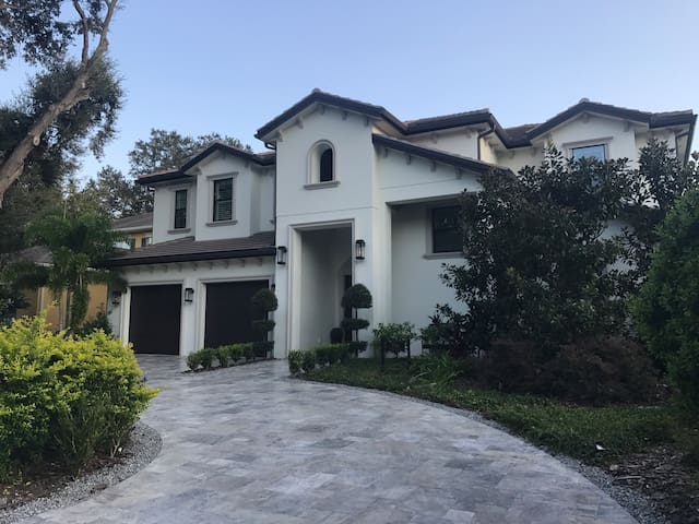 South Tampa Luxury Rental