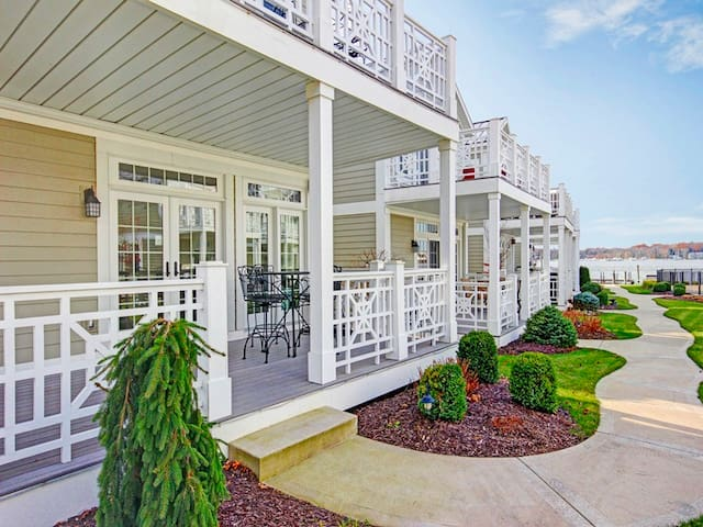 Aqua Essence: Waterfront Townhouse Style Condo with Swimming Pool in Downtown Saugatuck
