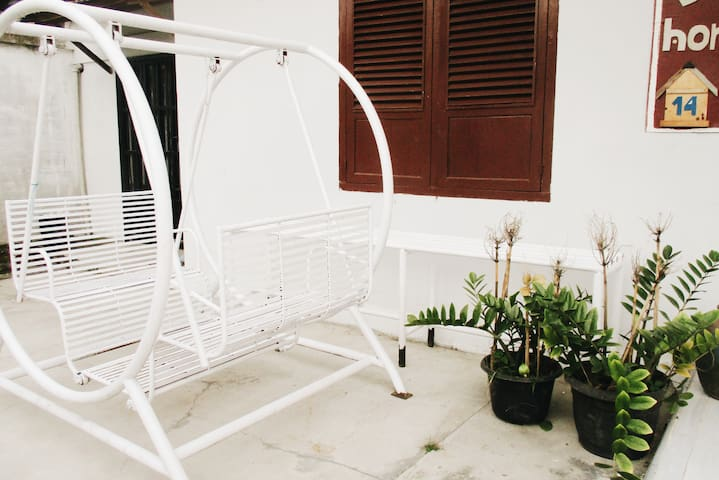 Bed for rent in Balige (Brussels Homestay)
