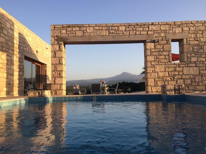 Villa Ypsilon avec piscine* privée