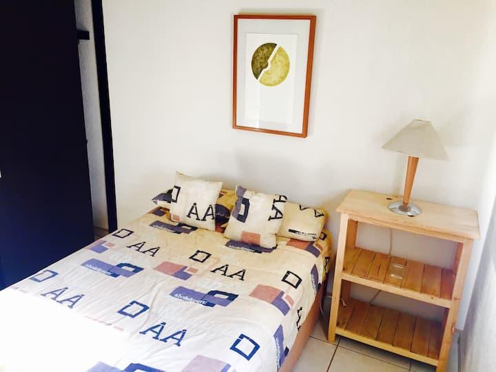 Habitacion en casa Cerca de ITESO,UVM TEC MILENIO