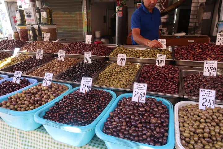 Olives - 11 Tastings, 11 varieties