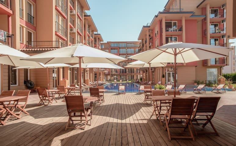 Apartment with Pool & Balcony Sunny Beach Nessebar