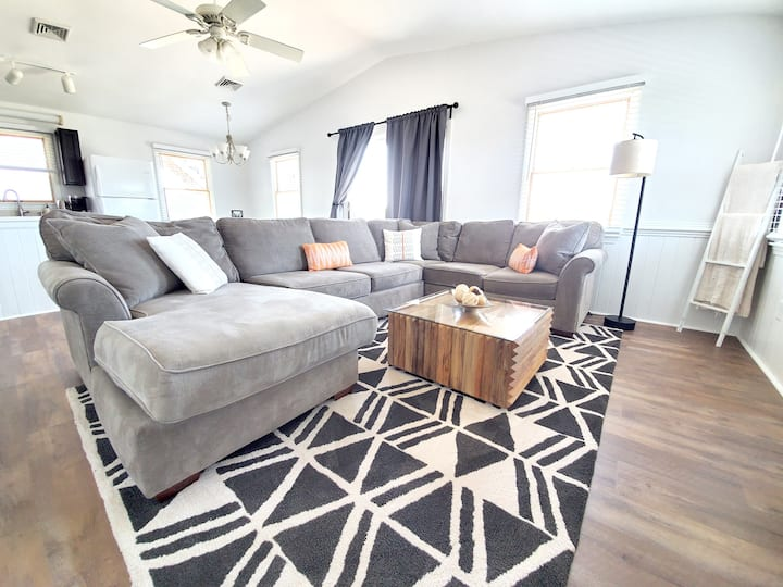 OBX Couples Retreat With King Size Bed & Roof Deck