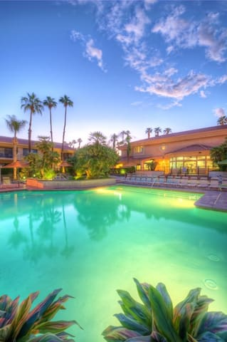 COACHELLA FESTIVAL WEEK 2 LUXURY VILLA 4/20-4/23