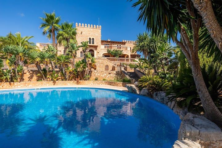 "Stunning Villa ""Castell de Fetget"" with Terrace, Air Conditioning, Pool & WiFi; Parking Available, Pets Allowed"