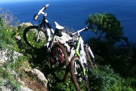 HOSTEL for MTB bikers in Sicily - Camporeale