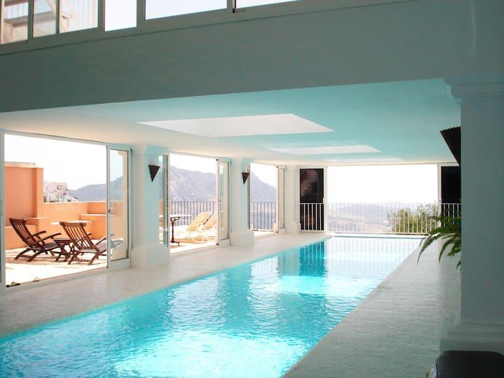 Gaucin apt: Private heated pool