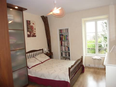 Chambre dans maison de charme au cœur d'Avallon