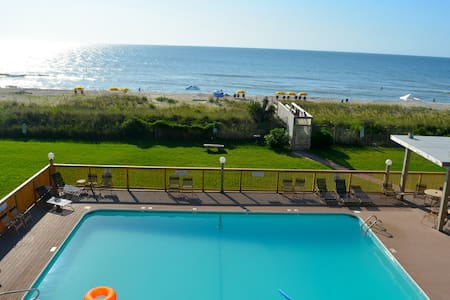 Oceanfront with Huge Pool - Carolina Beach - Condominium