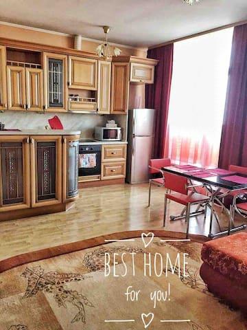 Sea view apartment, 5 min to Arbat