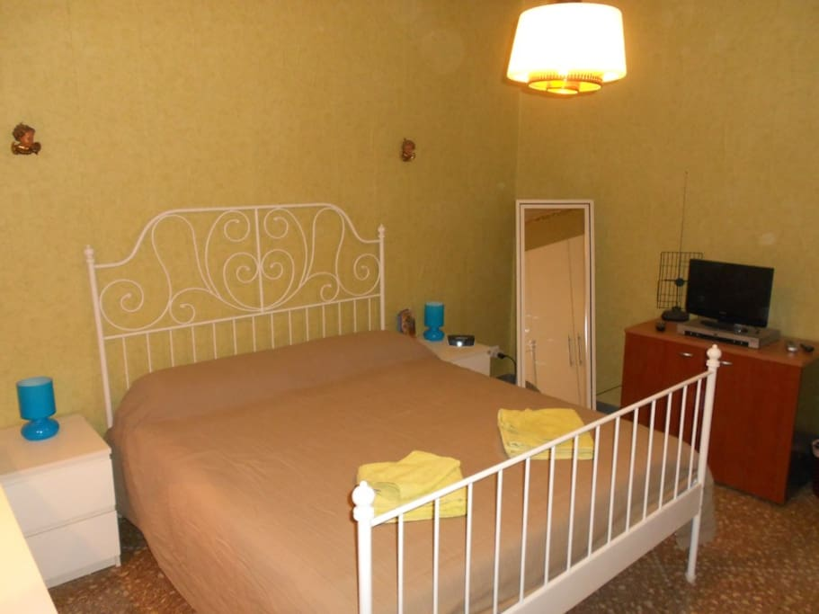 Double bedroom for a couple and a child