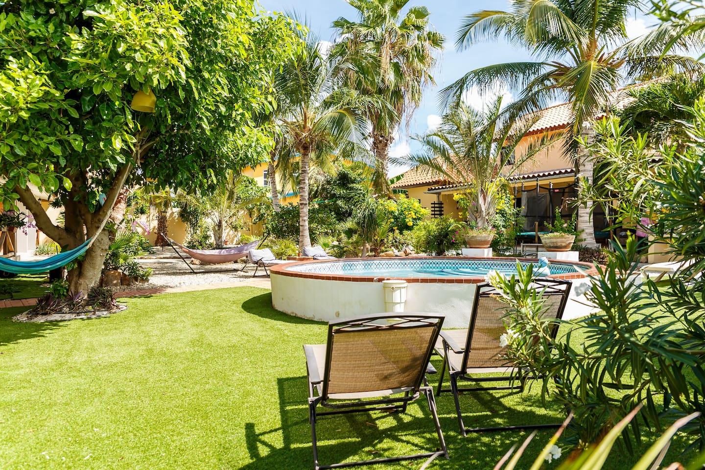 Garden view 2 rms Apt Palm near Ritz - Guest suites for Rent in ...