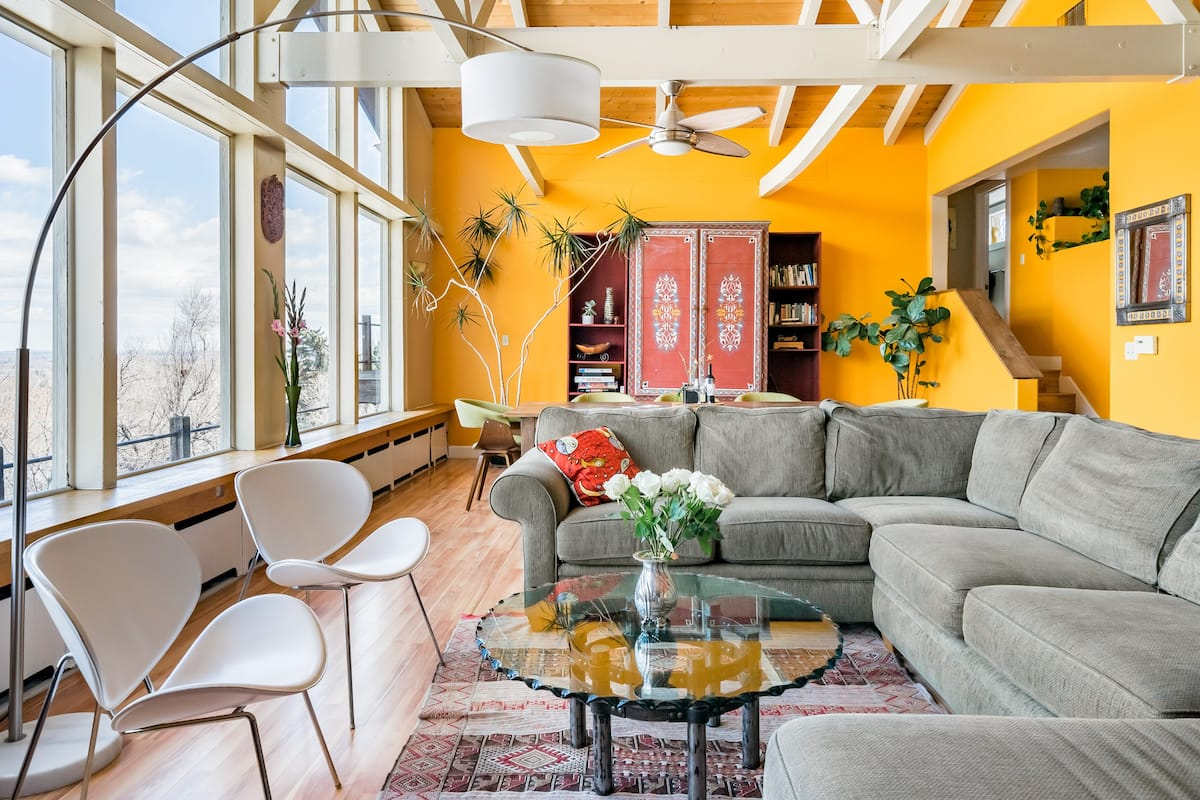 Expansive Luxury in Central Home With Downtown Views