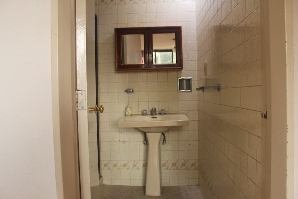 lavabo impecable y funcional