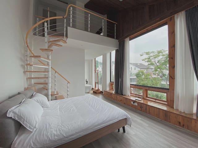 青城山下街子古镇旁的日式别墅 顶楼loft 暖气冷气地暖机麻俱全 适合轰趴度假