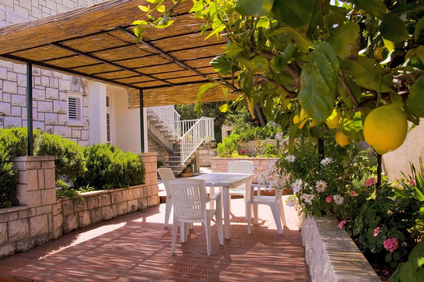 Apartment with Mediterranean garden terrace - Apartments for Rent in ...