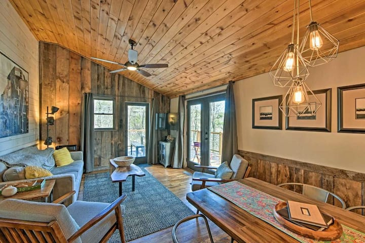 New listing! Elegant riverfront cabin w/ private hot tub & spacious deck
