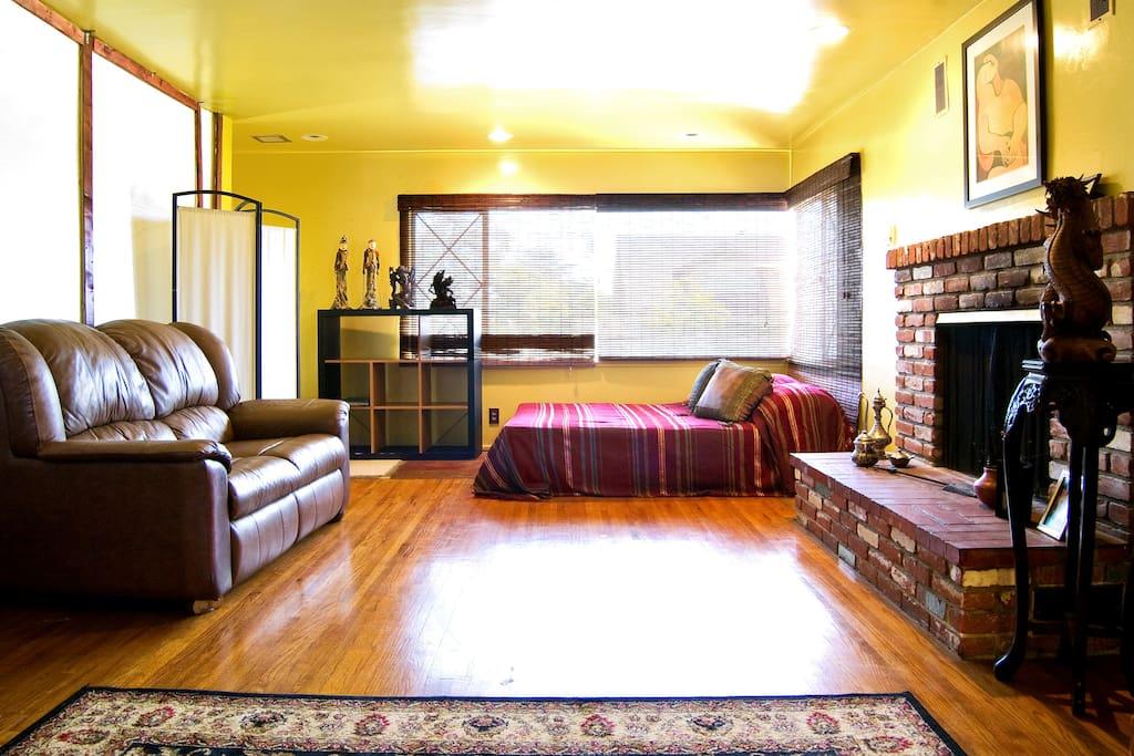 Pomona One Room Rent