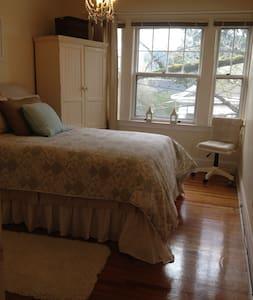 Private room in Portland